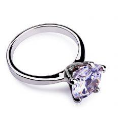 正しい婚約指輪の選び方って?失敗しないためのチェックリスト
