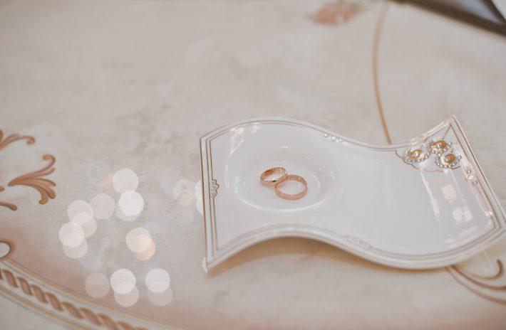 結婚後の生活も考えた婚約指輪選びのすすめ