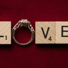 婚約指輪にも刻印したい!おすすめの文字刻印の例&無料ブランド