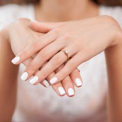 ピンクゴールドの婚約指輪は日本人にぴったり!最高のフェミニンを演出