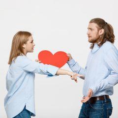 まさかの婚約破棄…もらった婚約指輪は返すべき?つらい感情の乗り越え方も