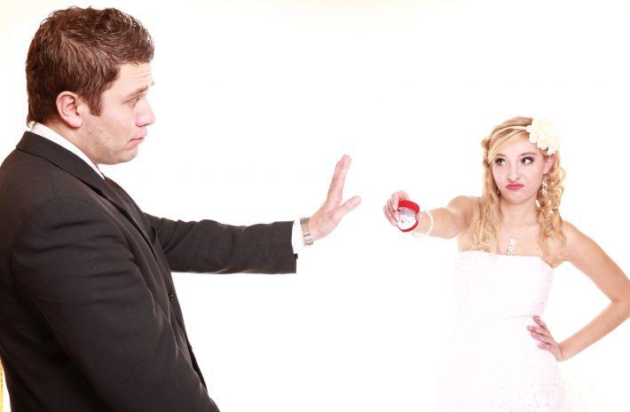 彼からもらった婚約指輪が気に入らない!どうする?