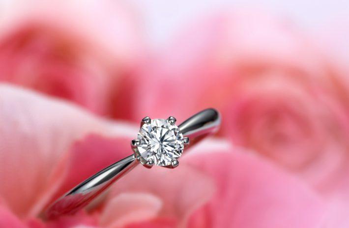 女性の憧れ!ティファニーセッティングのおすすめ婚約指輪