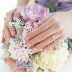 婚約指輪と結婚指輪の重ねづけで最高にかわいく!普段使いできる重ねづけ
