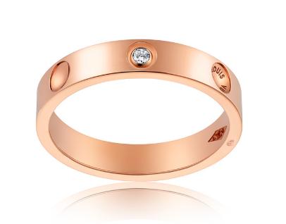 ハイセンスな指輪で印象もグッとオシャレに美しく!